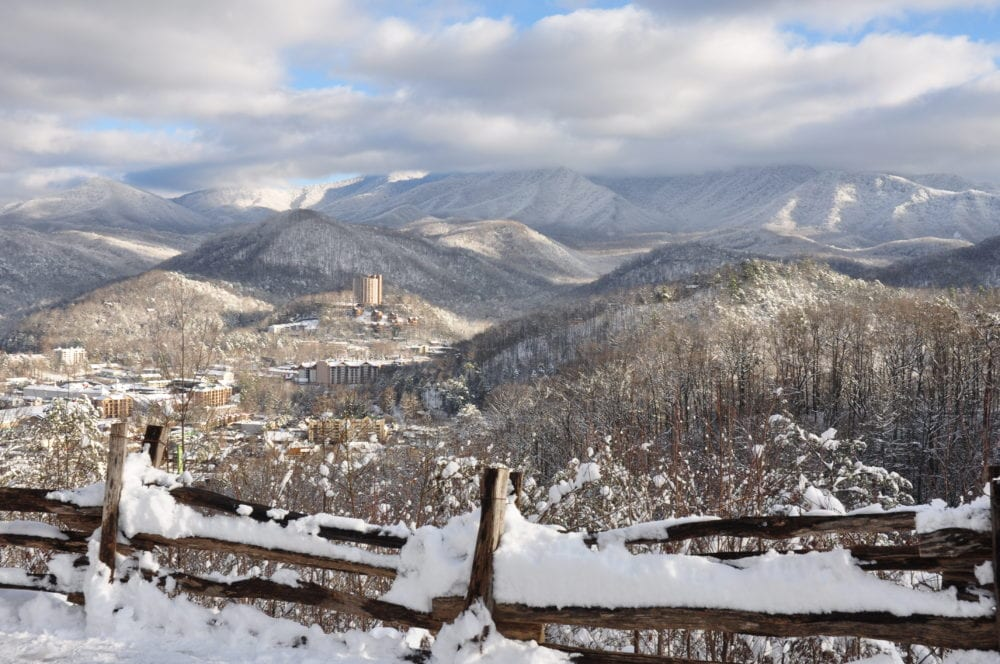 gatlinburg scenic overlook with snow