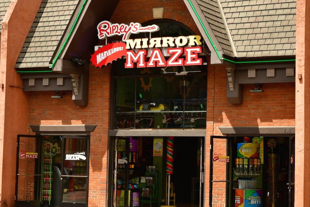 ripleys mirror maze in gatlinburg